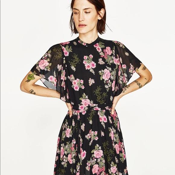 8a90633cb9 Zara Dresses | Nwot Black Floral Printed Flowy Mini Dress | Poshmark